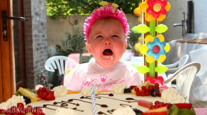 La piaga moderna delle feste per bambini _ bambina che piange 1